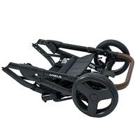Шасси очень компактно складывается, при сложении передние и задние колеса направлены в одну сторону